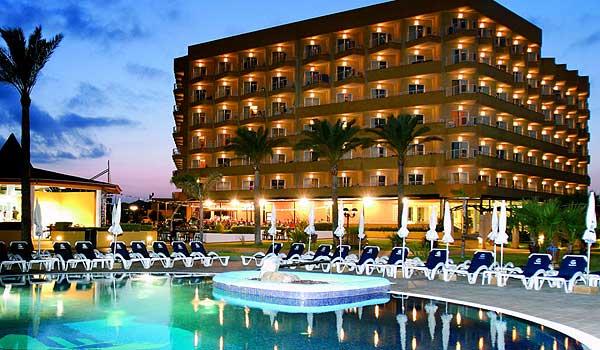 600x350-Cala-Milor-Garden-hotel-nachts