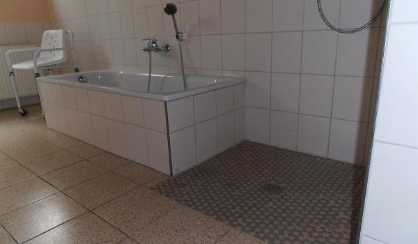 600x350-Lahntein-Barrièrevrij-douche-bad