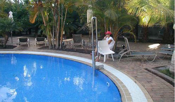 600x350-Lopesan-Costa-Meloneras-Resort-Gran-canaria-maspalomas-Pool-hoist