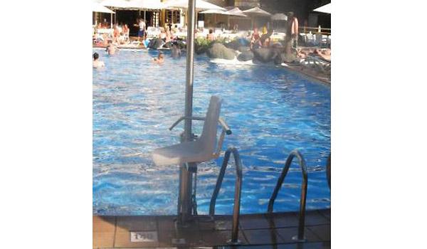 600x350-pool-holst1