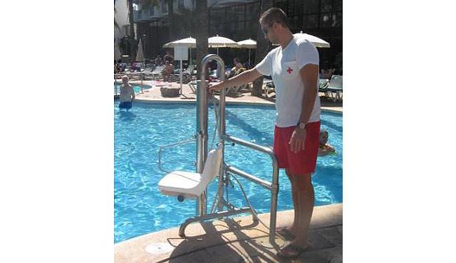 640x370-palmeras-palya-pool-hoist