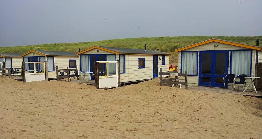 NL-Noordwijk-strandhuisjes2